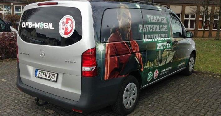 DFB-Mobil beim Höinger SV